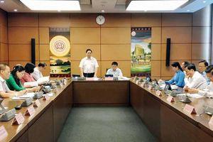 Đoàn ĐBQH tỉnh tham gia thảo luận tại tổ về Dự án Luật Bảo vệ môi trường (sửa đổi)