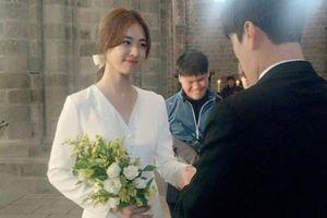 Cặp đôi 'Thiên đường cỏ' Lee Yeon Hee - Max Changmin (DBSK) cùng tuyên bố kết hôn: Song hỷ lâm môn!