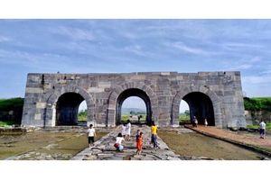 Giảm 30% - 50% giá vé thăm quan di sản thế giới Thành nhà Hồ