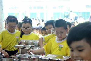 Đảm bảo an toàn thực phẩm cho trẻ khi đến trường