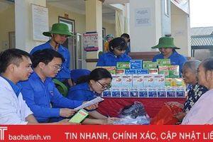 Tuổi trẻ tình nguyện tổ chức khám, cấp thuốc miễn phí cho 150 TNXP Hà Tĩnh