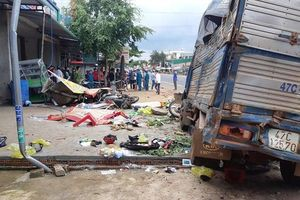 Khoảnh khắc xe tải mất lái khiến 5 người tử vong tại Đắk Nông