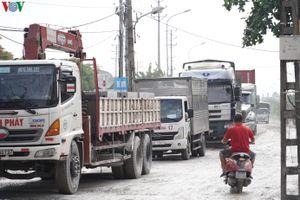 Xe tải, container cày nát mặt đường, phố Keo xuống cấp trầm trọng