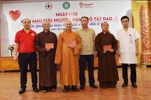 Tăng ni, Phật tử hào hứng tham gia 'Hiến máu cứu người - Hành Bồ Tát đạo'