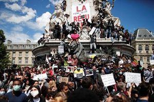 Pháp: Hàng nghìn người biểu tình chống phân biệt chủng tộc