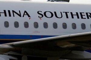 Trung Quốc: Cả chặng bay bị ngưng vì 17 hành khách mắc Covid-19