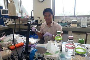 Tiến sĩ Nguyễn Văn Điệp và câu chuyện 'vừa chống dịch vừa nghiên cứu'