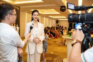 Siêu mẫu Quỳnh Hoa không muốn đi 'đường tắt' để nổi tiếng