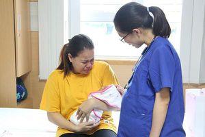 14 năm chờ con, khi chào đời bé chỉ nặng 600g