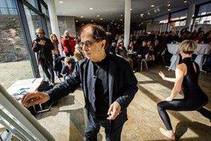 Nghệ sĩ Jacob Reymond đem trình diễn hội họa trên nền nhạc của Pháp tới Việt Nam