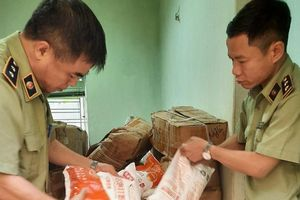 Hà Nội: Bắt giữ hơn 6 tấn Phụ gia làm bim bim không rõ nguồn gốc