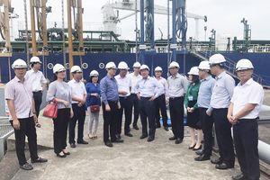 Thứ trưởng Bộ Giao thông Vận tải Nguyễn Văn Công làm việc với Petrolimex Quảng Ninh về phương án quy hoạch Cảng dầu B12