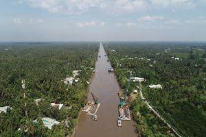 Dỡ xong đập tạm, kênh Nguyễn Tấn Thành thông suốt trở lại