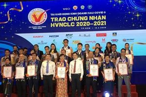 Nước mắm 584 Nha Trang 20 năm liên tục nhận danh hiệu Hàng Việt Nam chất lượng cao