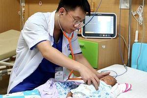 76 ngày giành giật sự sống cho bé sinh non chỉ nặng 600gr của bà mẹ hiếm muộn 14 năm