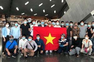 266 công dân Việt Nam từ Kuwait, Qatar và Ai Cập về nước an toàn