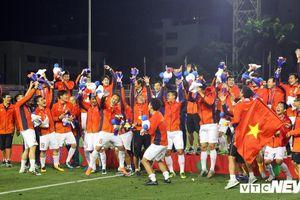 HLV Park Hang Seo tiếp tục dùng chiến thuật 2 ban huấn luyện song song