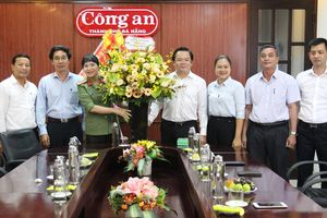 Lãnh đạo HĐND TP thăm Báo Công an Đà Nẵng