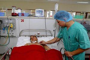 Bệnh viện Trung ương Huế: Khởi động 'Báo động đỏ' cứu sống bệnh nhân ngã từ tầng 5
