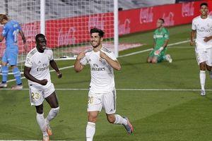 Đánh bại Valencia, Real Madrid tiếp tục cuộc đua vô địch với Barcelona