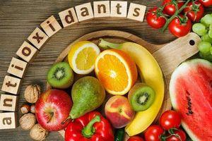 8 chế độ ăn uống giúp bạn 'đánh bay' mụn nhanh chóng