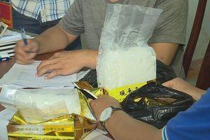 1,8 kg ma túy trên ô tô về từ cửa khẩu