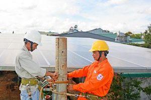 'Cú hích' phát triển điện mặt trời mái nhà