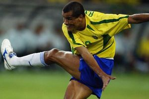 Tròn 18 năm Rivaldo ghi bàn vào lưới tuyển Bỉ
