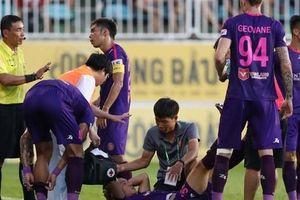 Trọng tài V-League lại bị phản ứng