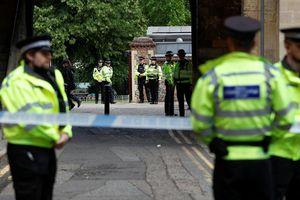 Anh xác nhận vụ tấn công bằng dao tại Reading là hành động khủng bố