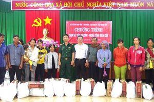 Chương trình 'Chia sẻ yêu thương - nghĩa tình biên giới' tại Bình Phước
