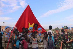 Kỷ niệm Nam Sudan của nữ sĩ quan mũ nồi xanh Sa Minh Ngọc