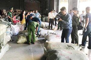 Đà Nẵng: Phát hiện 5 container thảo dược Trung Quốc 'đội lốt' táo ta, củ cải, cà rốt
