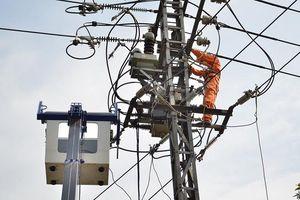 Nỗi niềm thợ điện mùa nắng nóng