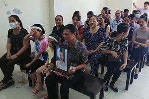 Bất ngờ hoãn phiên tòa xử bị cáo đầu độc chị họ vì ghen