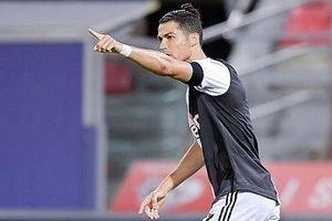 Ronaldo nổ súng, Juventus vững vàng ở vị trí số 1