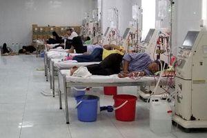 Bệnh nhân hoang mang khi máy chạy thận của bệnh viện liên tục trục trặc