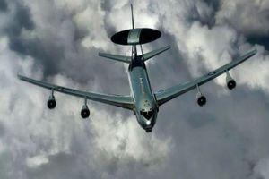Không quân Mỹ phái máy bay do thám tới đảo ngoài khơi Venezuela
