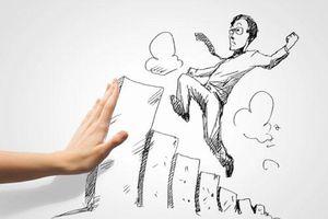 Trời không tuyệt đường người: 4 đạo lý cần nhờ khi rơi vào nghịch cảnh để cải biến vận mệnh