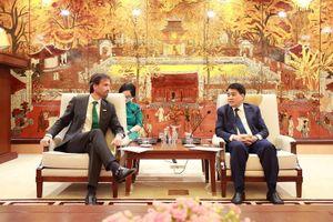Chủ tịch UBND TP Hà Nội tiếp tân Tổng giám đốc điều hành Heineken Việt Nam