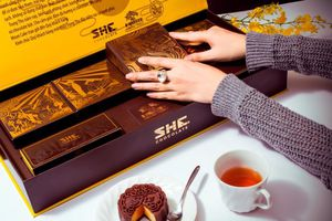 SHEChocolate Moon Cake, cơn sốt quà tặng của doanh nhân
