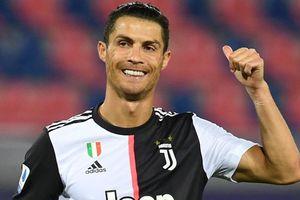 Ronaldo lập kỷ lục sau cú sút penalty thành công