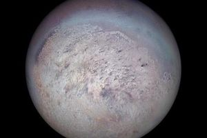 Phát hiện một mặt trăng màu tím có thể đầy sinh vật ngoài trái đất