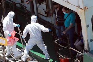 Có ít nhất 17 trường hợp mắc Covid-19 trên tàu Nga cập cảng Hàn Quốc