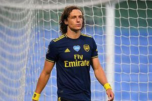 Arsenal đưa ra một loạt quyết định sốc về David Luiz, Cedric, Mari