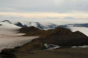 Iceland đối diện nguy cơ núi lửa phun trào