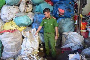 Phát hiện rác thải y tế, ống nghiệm dính máu tại cơ sở thu mua phế liệu