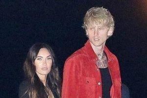 Megan Fox thân mật với tình trẻ ngay sau ly hôn