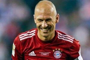 Robben trở lại với bóng đá ở tuổi 36