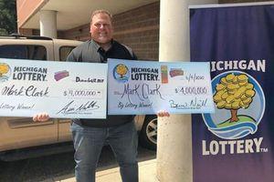 Người đàn ông siêu may mắn, 2 lần cào xổ số đều trúng 4 triệu đô